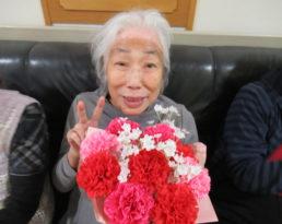 母の日のお祝いを行いました。
