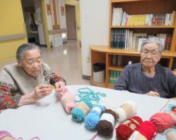 編み物作りをしています